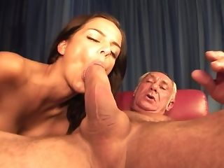 Hot youthful Hussy inhales A Nauseous rod Of senior parent freeporn