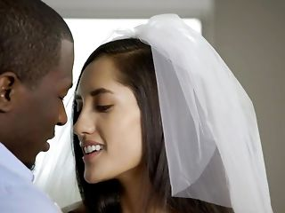 Runaway bride Chloe Amour getting her cock-squeezing vulva opened up by big black cock sex video